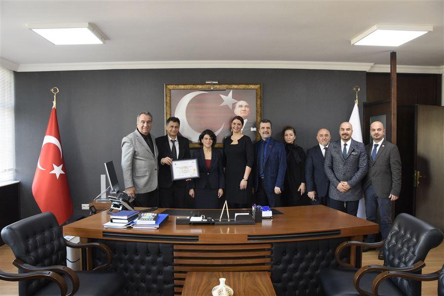 Bölge Müdürlüğümüzce Nemak İzmir Döküm Sanayi A.Ş. Firmasına Yetkilendirilmiş Yükümlü Sertifikası verildi.