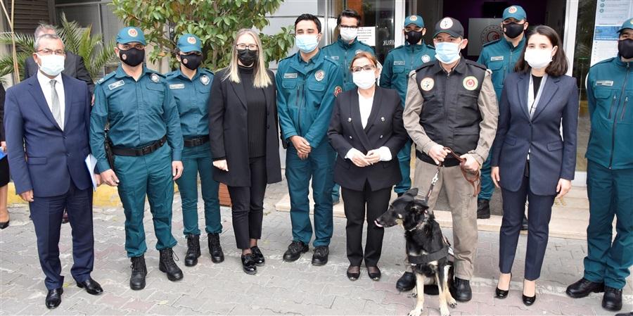 Sayın Bakanımız Ruhsar PEKCAN depremin ardından İzmir ziyareti kapsamında Bölge Müdürlüğümüze de teşrif ettiler.
